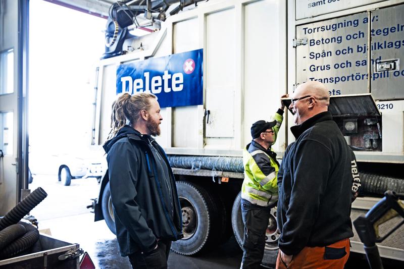 Patrik Stenman och Kent Holmgren i verkstaden Delete Skellefteå